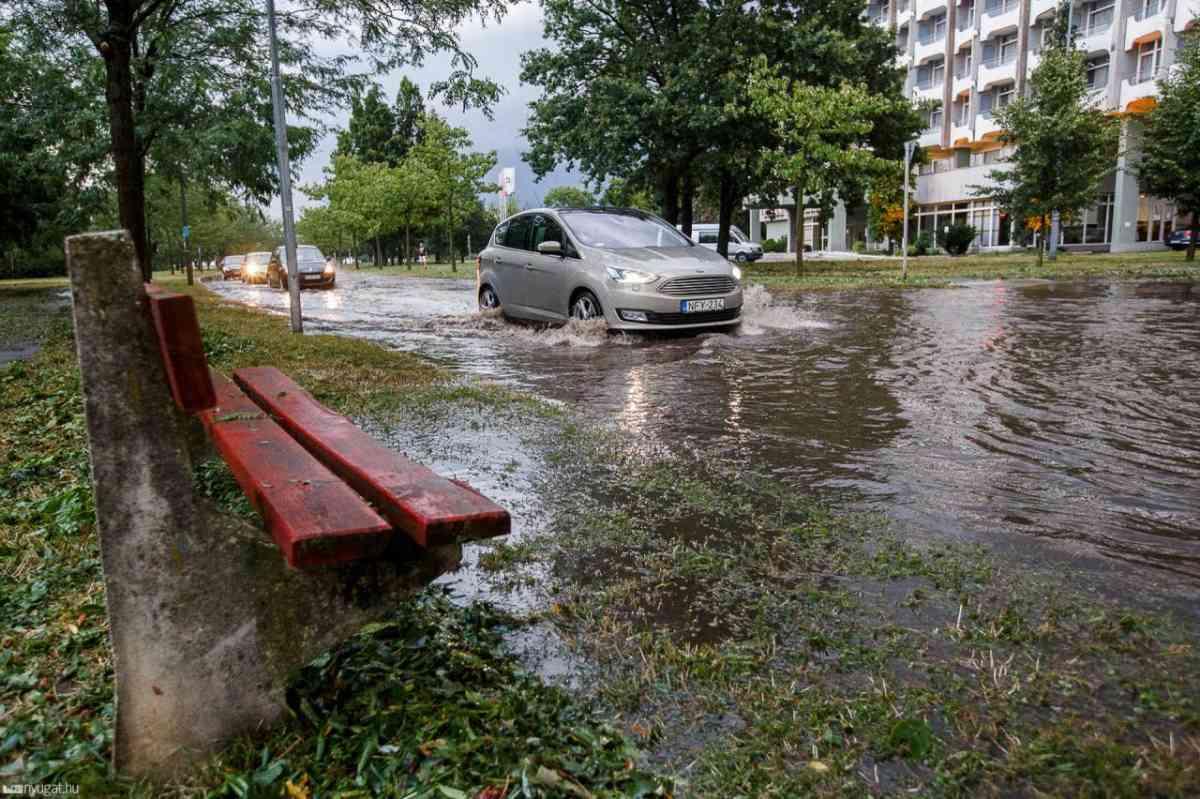 Nagy eső után telítődik a csapadékvíz-elvezető rendszer